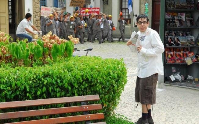 Flores (Antonio Grassi) arma ataque terrorista e Sereno coloca plano em ação