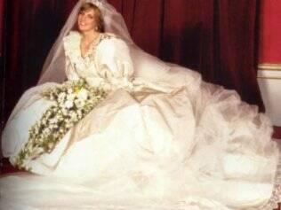 O volumoso vestido de Lady Di traduzia as tendências de moda da época