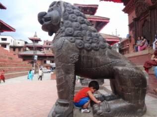 Felipe no Nepal: descoberta de outras culturas