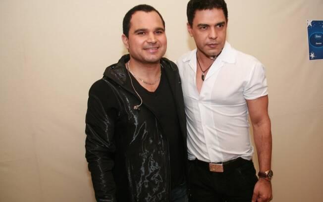 Zezé di Camargo e Luciano se apresentam no final de Idolos 2011