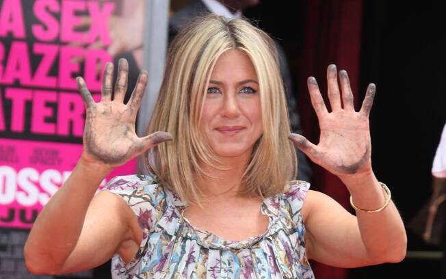 Jennifer Aniston recebe homenagem na Calçada da Fama, em Hollywood