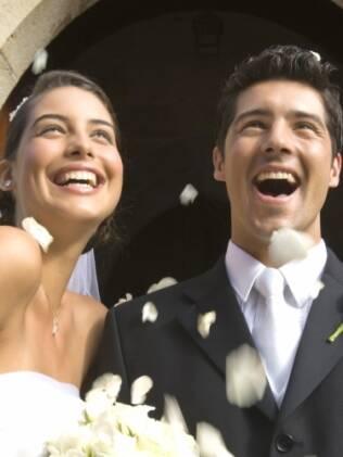 Livro dá fórmulas para felicidade no casamento
