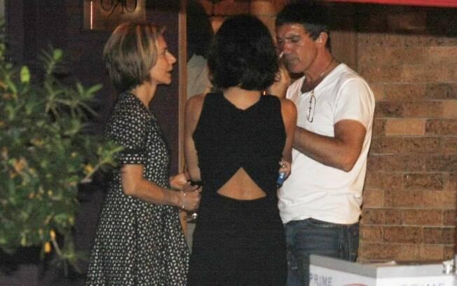Maitê Proença e Antonio Banderas se reencontram em jantar