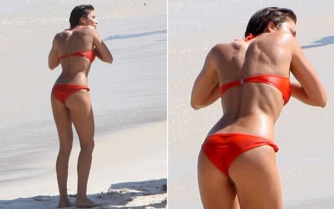 Grazi Massafera faz raras aparições de biquíni nas praias do Rio...