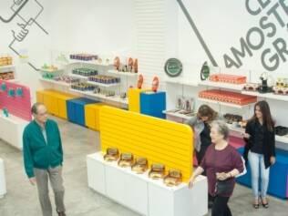 Clube Amostra Grátis: as pessoas pagam uma taxa anual e podem experimentar cinco produtos novos por mês