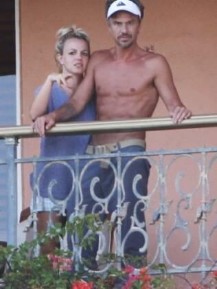 Britney Spears e Jason Trawick: o namorado volta a ser também agente da cantora