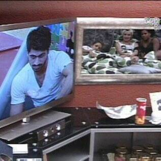 Meninas analisaram Rodrigão na tela