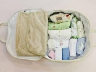 Mala do bebê: não se esqueça de retirar etiquetas das roupinhas