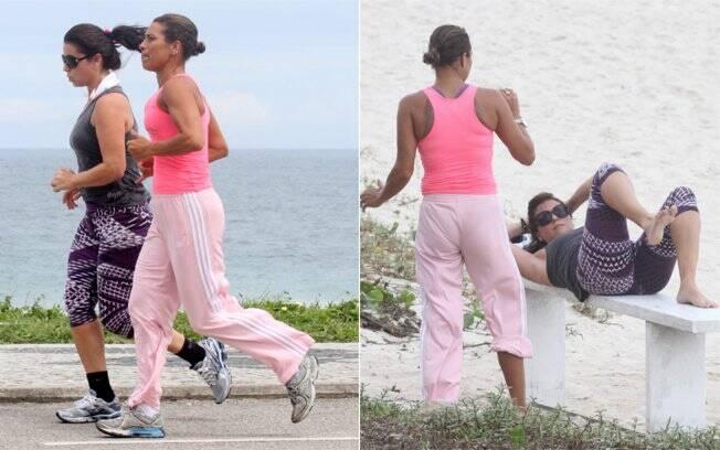 Giovanna Antonelli fazendo exercício na praia da Barra