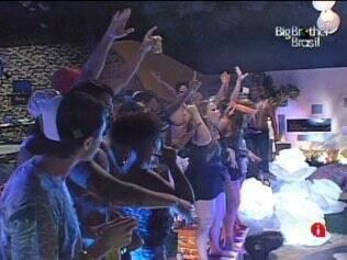Brothers executam coreografia ensinada por Diogo