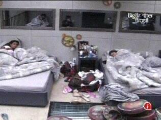 Brothers dormem no Lado B