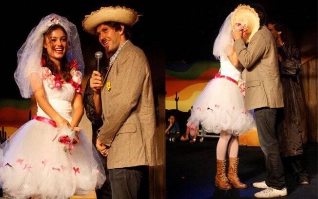 A hora do beijo do casamento dos noivos Gustavo Leão e Sophie Charlotte