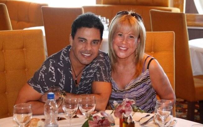 Zezé Di Camargo e Zilú não se aproximaram de Talula durante o almoço