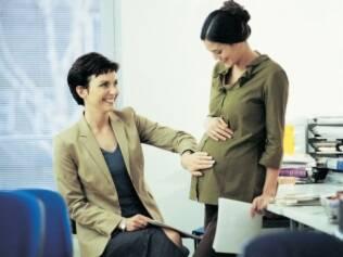 Figura do coach surge para auxiliar futuras mamães a conciliar carreira e maternidade