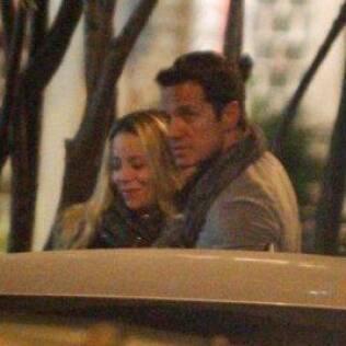 Danielle Winits e Carlos Machado flagrados jantando no Rio de Janeiro