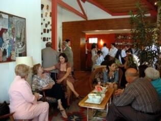 André e Mariana receberam 30 convidados em uma área reservada do restaurante