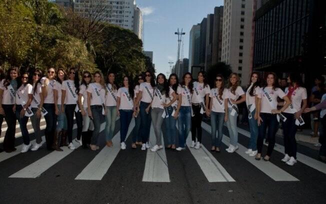 As 27 misses passeiam por São Paulo