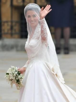 Kate Middleton: vestido Alexander McQueen surpreendeu pela falta de originalidade
