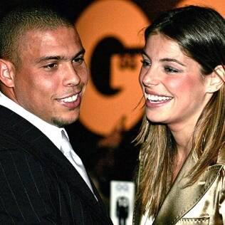O jogador Ronaldo e a apresentadora Daniella Cicarelli viveram um casamento relâmpago