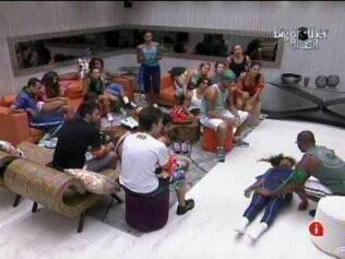 Jaqueline e Lucival jogam com participantes