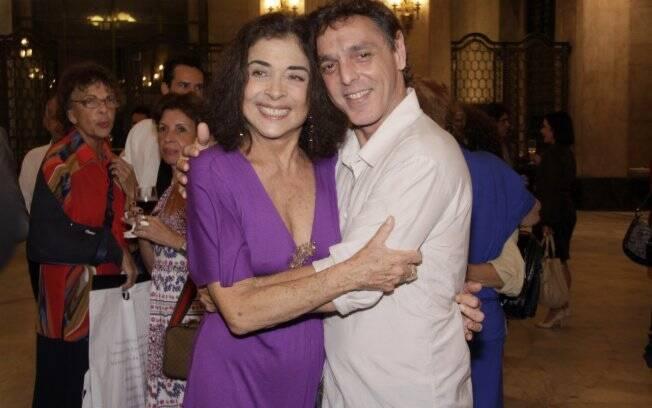 Betty Faria ao lado de Guilherme Leme, diretor de
