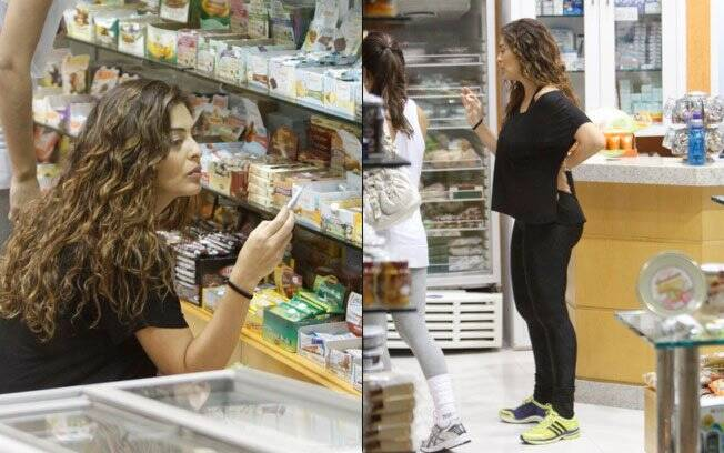 Juliana Paes comprando comidas lights após a academia