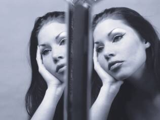O espelho é o maior torturador de quem sofre do transtorno dismórfico corporal