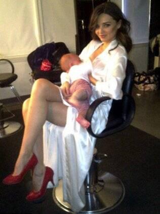 Miranda Kerr registra momento com o filho