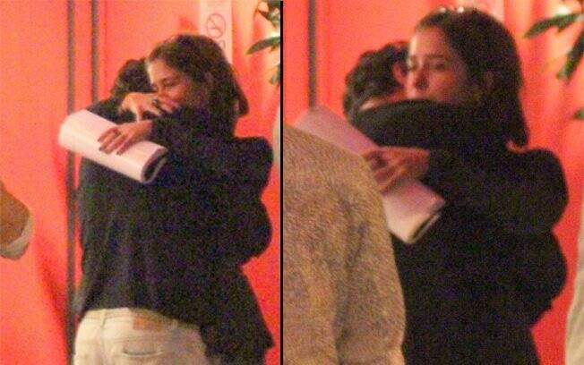 Paloma Duarte e Bruno Ferrari aos beijos e abraços