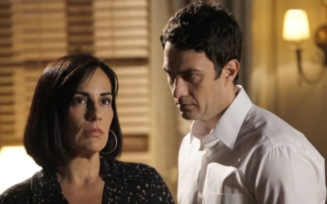 Assustada com seu sentimento por Léo, Norma fica perdida