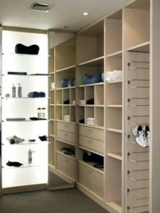 Na hora do planejamento do closet, cuidado como disposição das peças