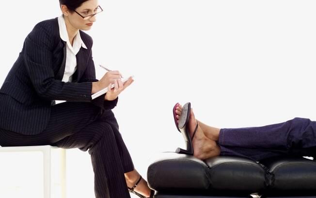 O uso do divã na sessão de tratamento é uma característica marcante da psicanálise