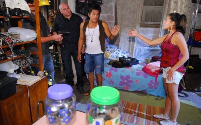 Vidas em Jogo: Cleber rende Grace e Carlos