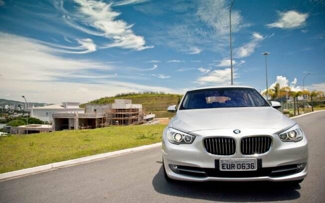 Nada mal conhecer o novo condomínio Villa Solaia, em Alphaville, dentro de uma BMW X5. A estratégia foi da construtora São José em parceria com a Eurobike