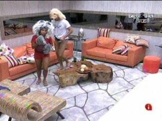 Janaina e Rodrigão cumprem Castigo do Monstro na terceira vez que toca o sinal