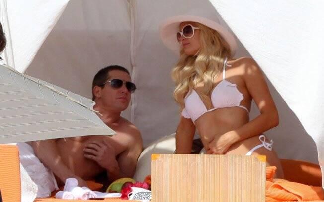 Paris Hilton e Cy Waits aproveitam Los Cabos, no México