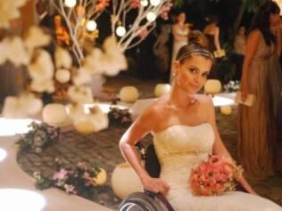 Luciana (Alinne Moraes) sofreu um acidente na novela Viver a Vida e trouxe para a trama o drama de quem fica tetraplégico