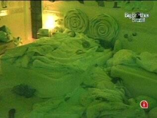 Brothers dormem tranquilos no Quarto Jujuba
