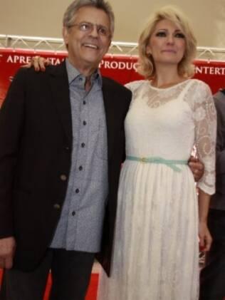 Marcos Paulo e Antônia Fontenelle, que se emocionou durante o evento