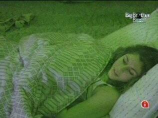 Maria diz que vai seguir com os pés no chão, em seu relacionamento com Wesley