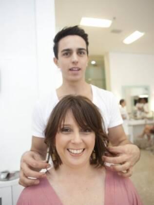 Ricardo Rodrigues brinca com visual de Cintia