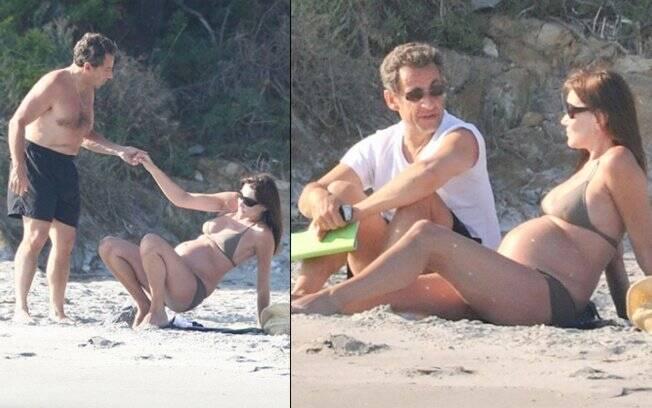 Nicolas Sarkozy com a mulher Carla Bruni durante as férias na França