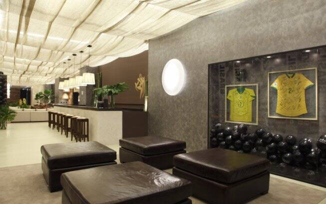 A arquiteta Ana Rita Souza e Silva rendeu-se às tintas e utilizou o efeito mármore, da Suvinil em seu ambiente na Casa Cor 2010