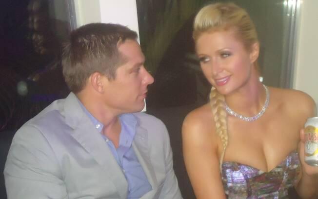Paris Hilton e Cy Waits: sintonia fina