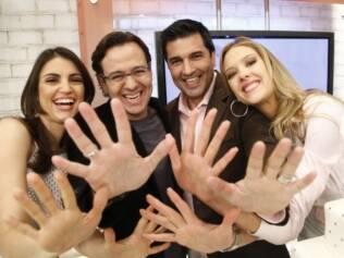 Os apresentadores Chris Flores, Celso Zucatelli, Eduardo Guedes e Gianne Albertoni