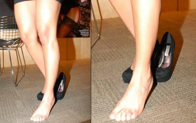 Maria mostra o pé e diz que é a parte do corpo que mais gosta. Será que os homens concordam?