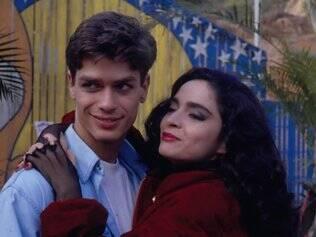 Lipe (Fábio Assunção) e Natasha (Cláudia Ohana), um dos casais da trama