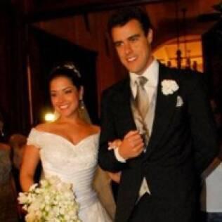 O casamento de Thaís Fersoza e Joaquim Lopes terminou na lua-de-mel, em abril de 2009. Após cinco anos de namoro, o noivo admitiu ter um caso com a atriz Paola Oliveira