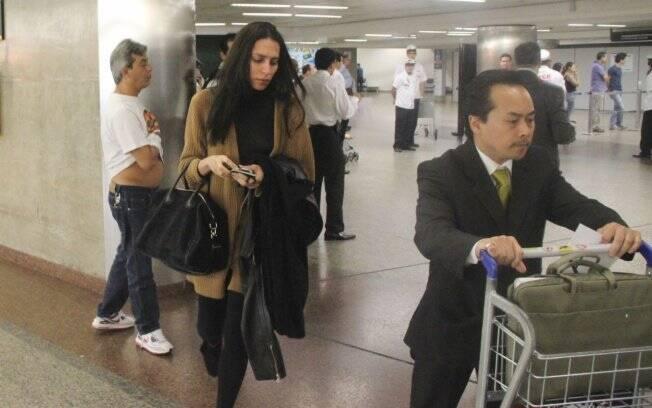 A modelo desembarca em São Paulo na manhã desta sexta-feira (28)