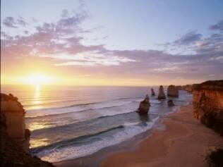 Os Doze Apóstolos – formação rochosa - são uma das atrações do outback australiano
